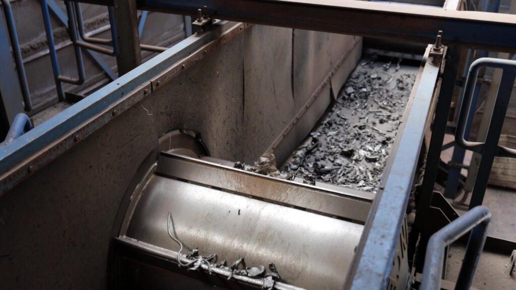 Riwald Recycling recyclen van ferrous en non ferrous met eddy currents