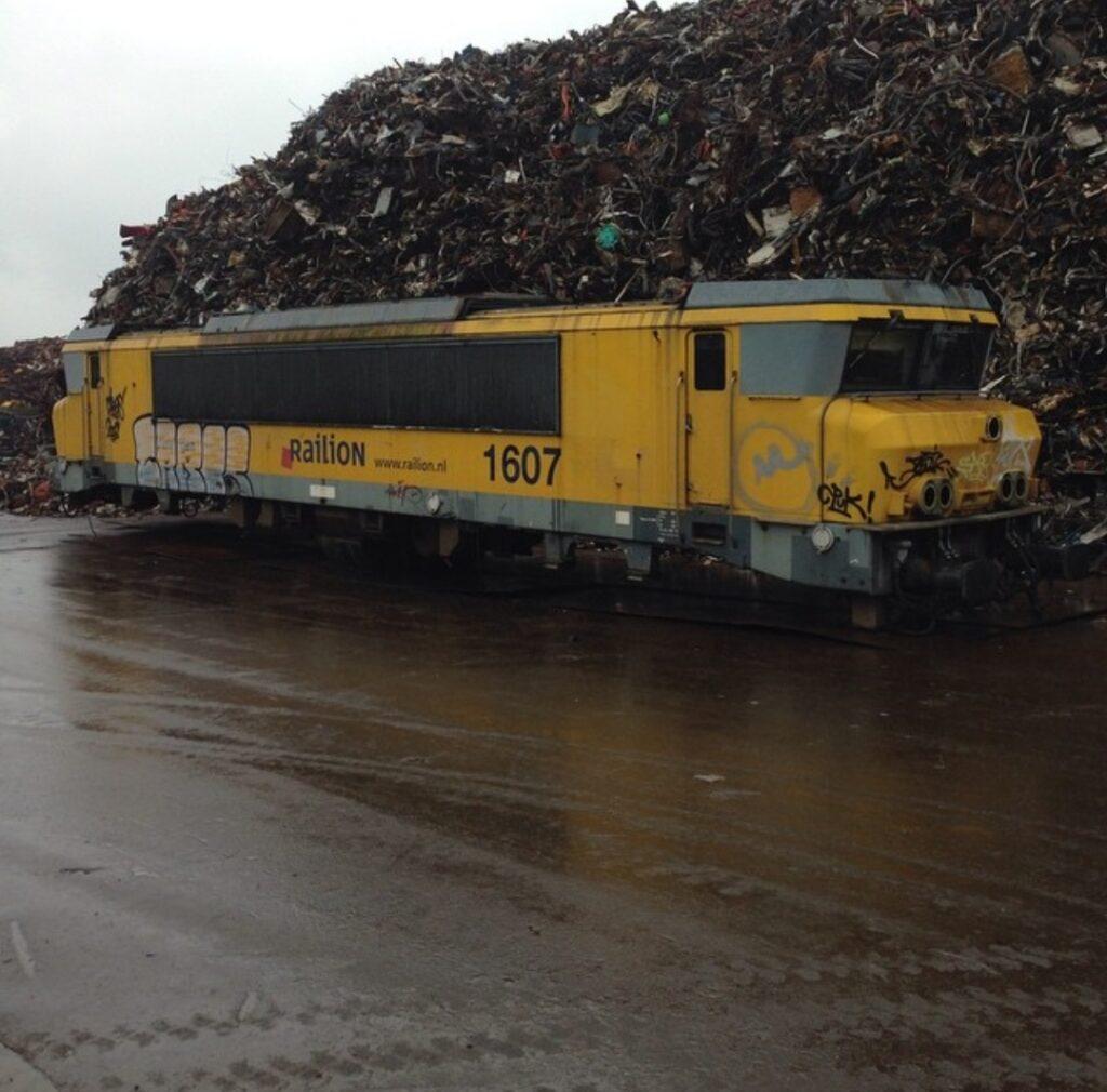 Riwald Recycling metaalrecycling van treinstellen van de NS en de NS Railion (DB Cargo)