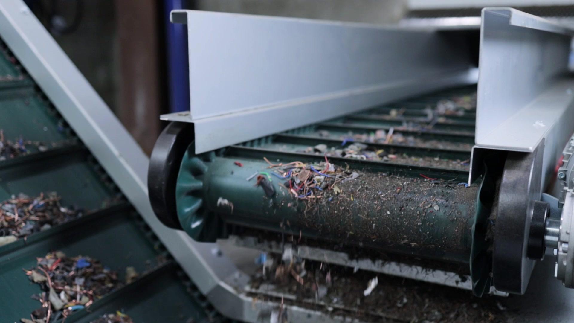 Riwald Recycling kabelverwerker hightech kabel diktes