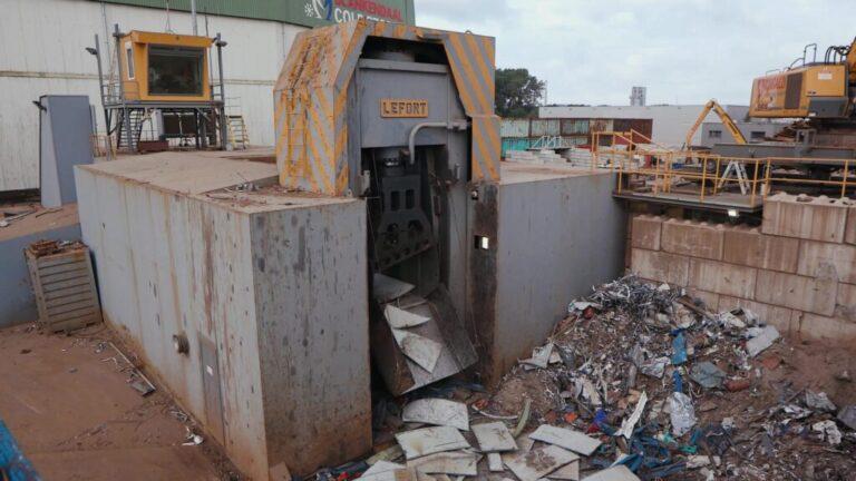 Lefort 1400 schrootschaar machinepark riwald recycling