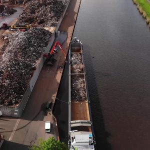 Riwald Recycling metaalrecycling duurzaam transport per boot van HMS 1/2 en ferrous/non-ferrous/knipijzer naar de maakindustrie