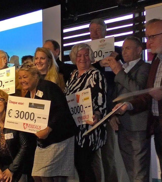 Riwald Recycling doneert 30.000 euro aan goede doelen en stichtingen binnen Almelo en Twente
