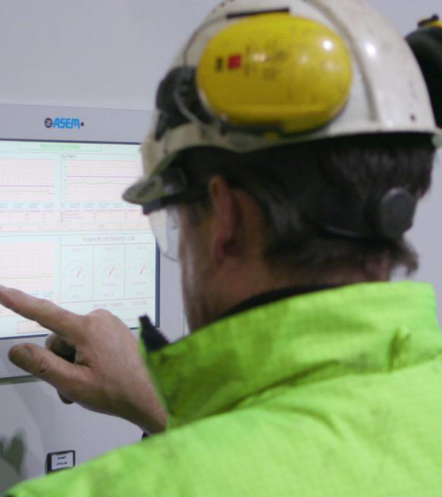 Riwald Recycling is gespecialiseerd in 100% circulair, betrouwbaar en gecertificeerd in het productvernietigingsproces.