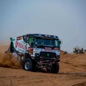 dakar race hybride truck rally