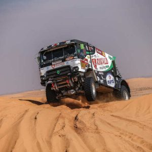 dakar truck race rally hybride