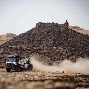 truck dakar wagen race hybride rally